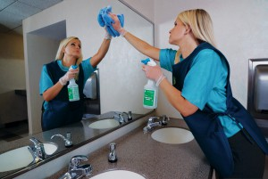 Dayporter_cleaning_mirror_janitorial
